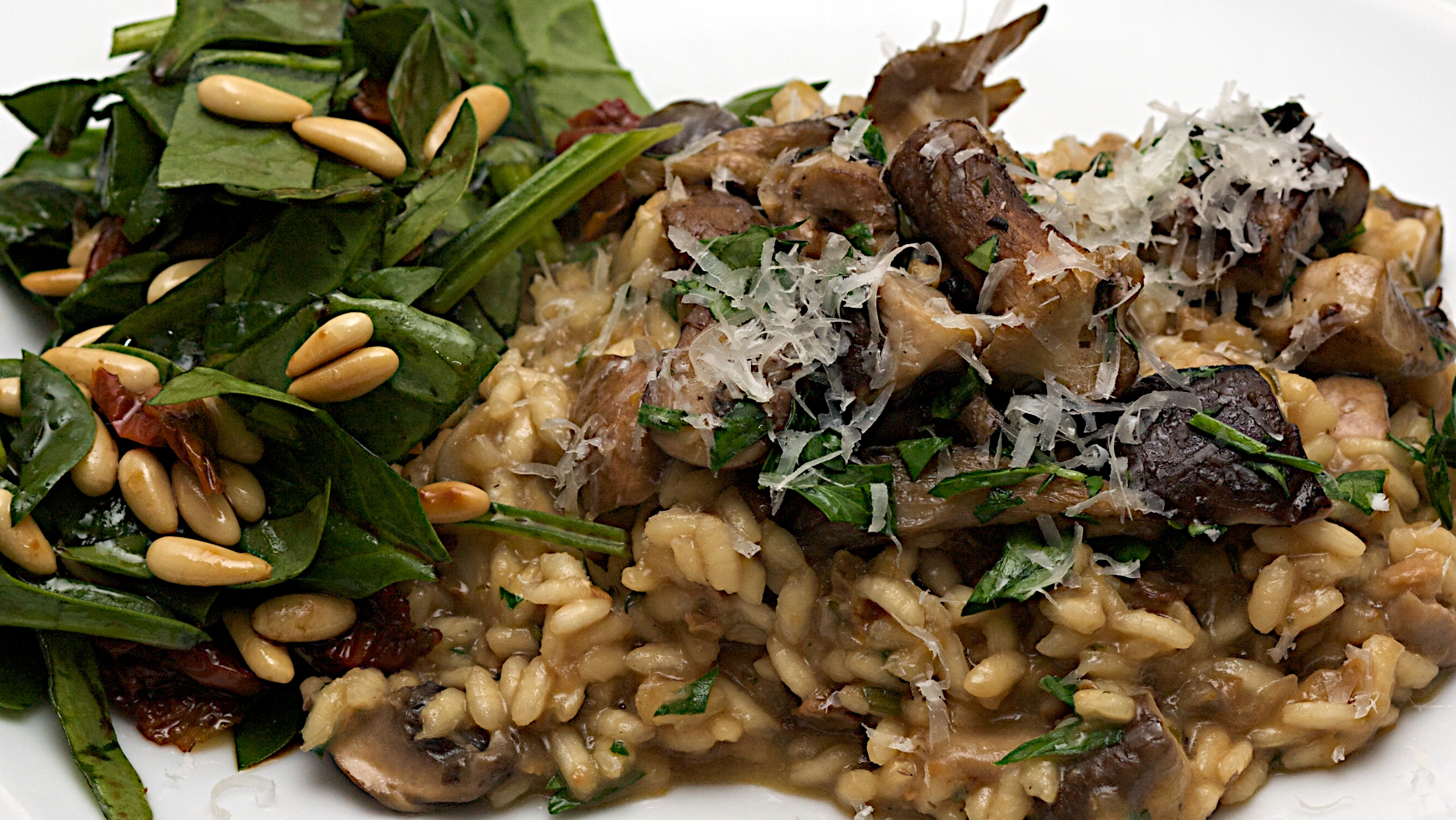 Jamie S 30 Minute Mushroom Risotto And Spinach Salad Jono Jules Do Food Wine