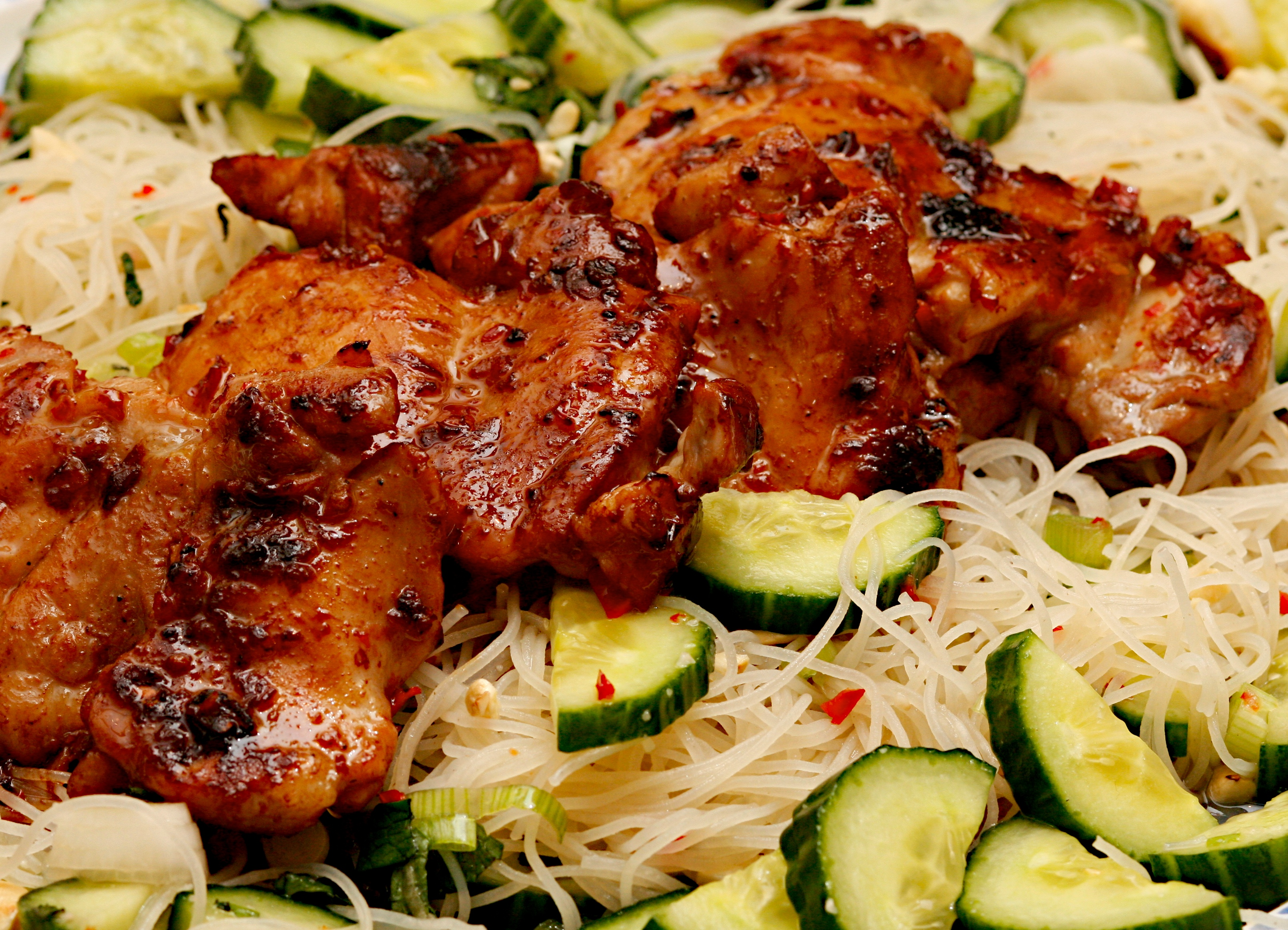 Spicy chicken with a cucumber and cashew nut salad | Jono & Jules do ...