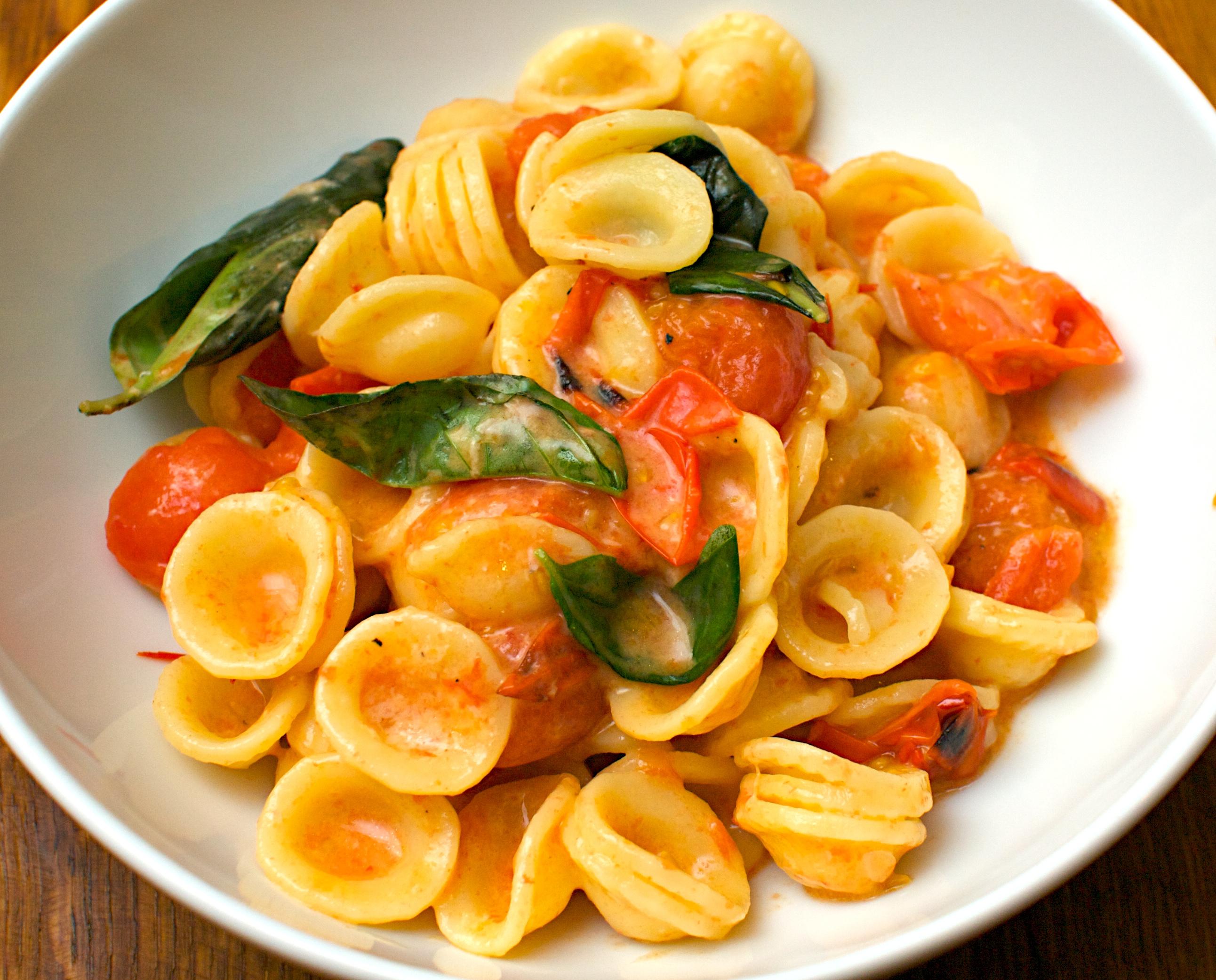 Roast Tomato & Basil Orecchiette | Jono & Jules do food & wine