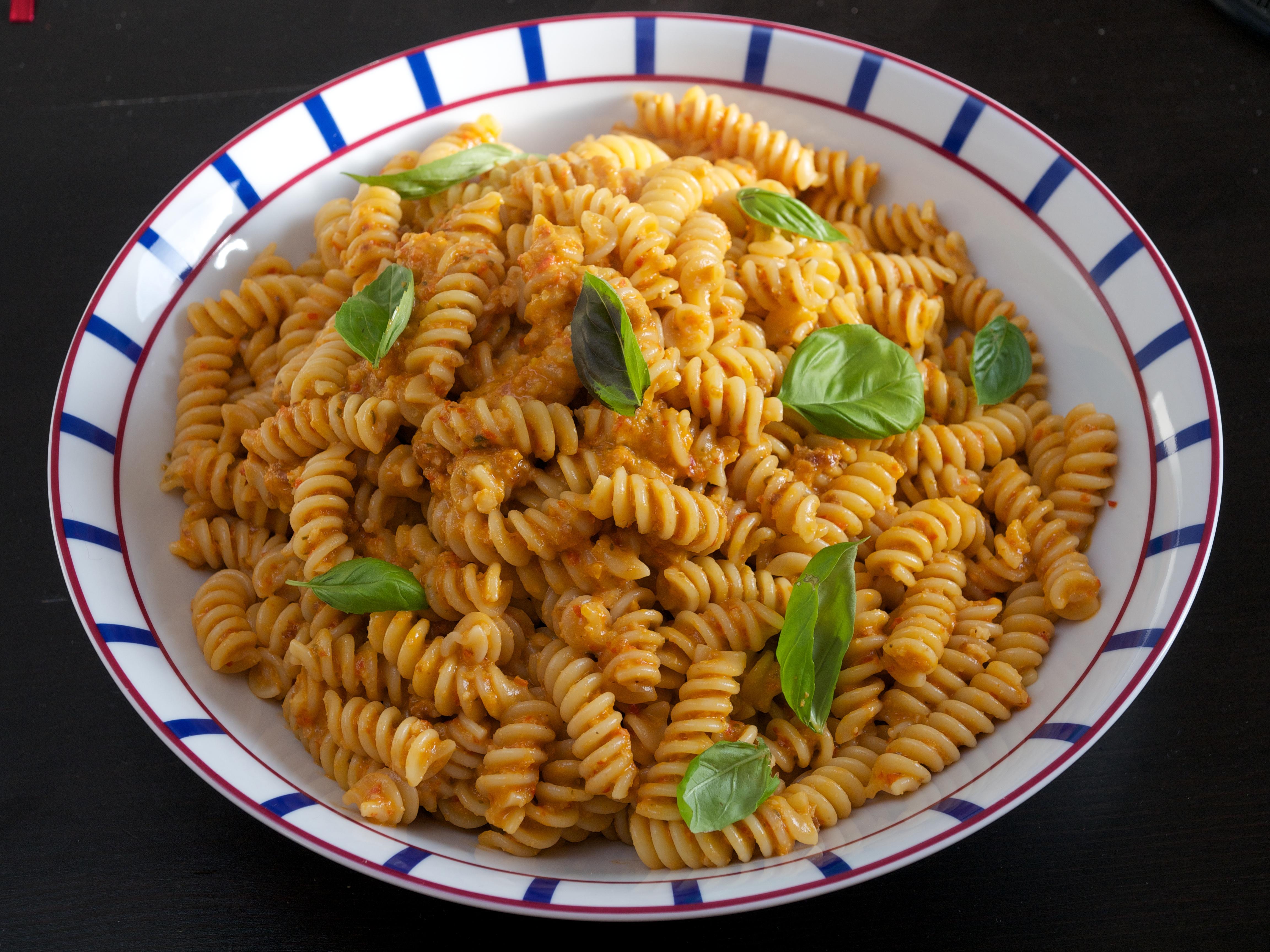 Sicilian pasta with tomato garlic almond jono jules do food sicilian fusilli with tomato garlic almond forumfinder Image collections