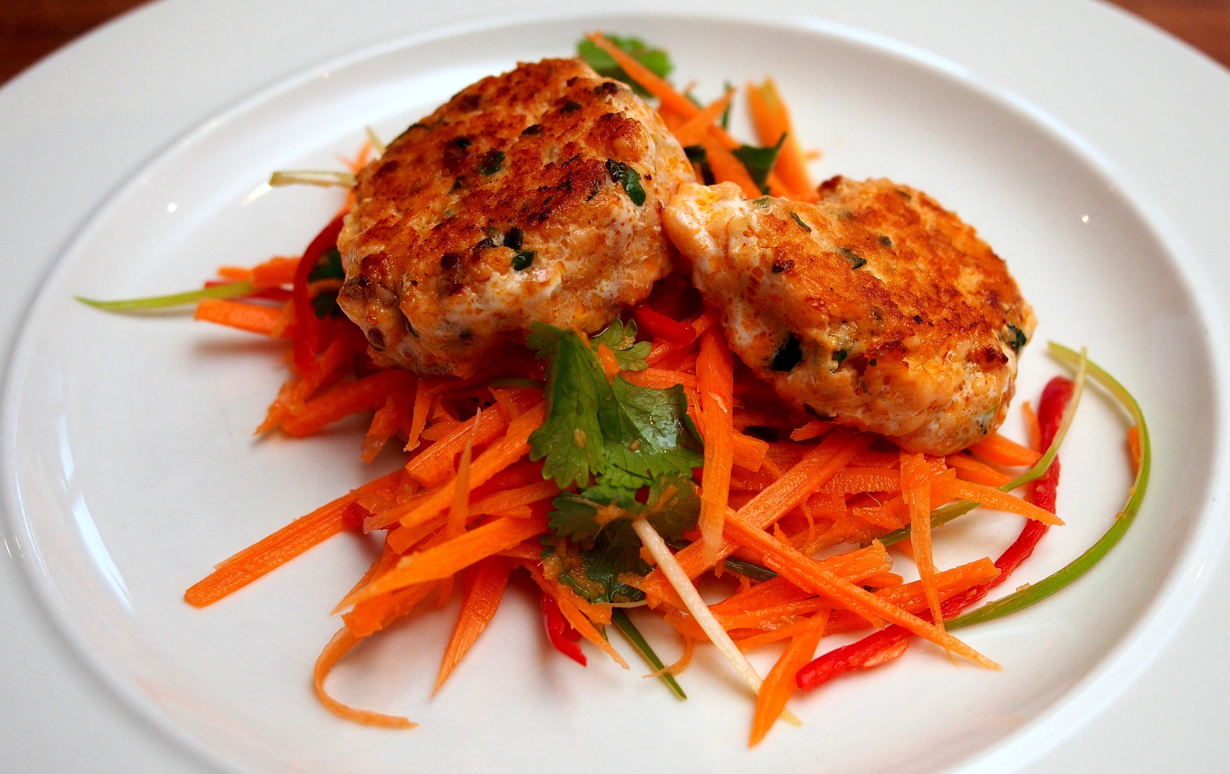 Thai salmon cakes with carrot salad