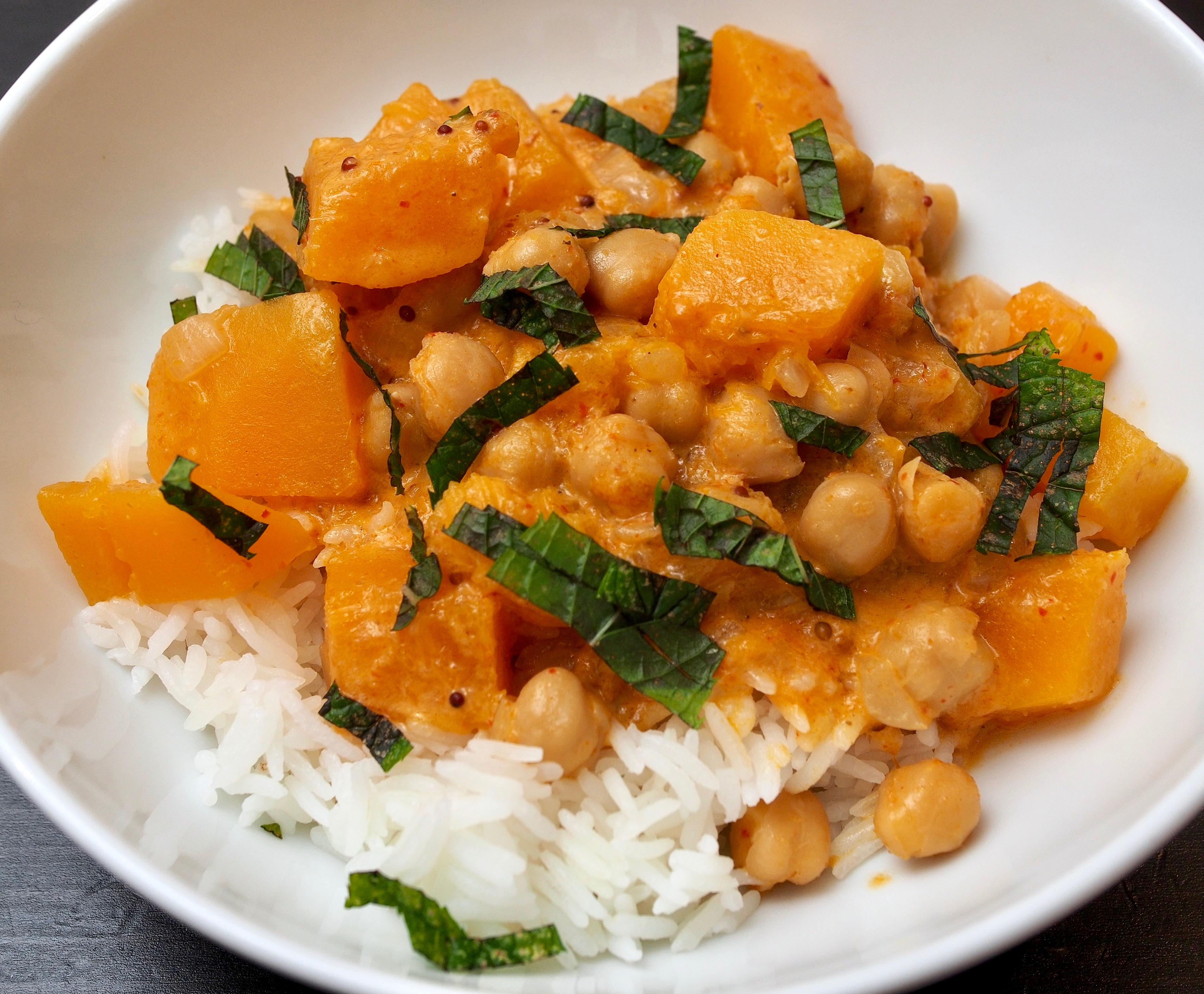 Thai pumpkin & chickpea curry