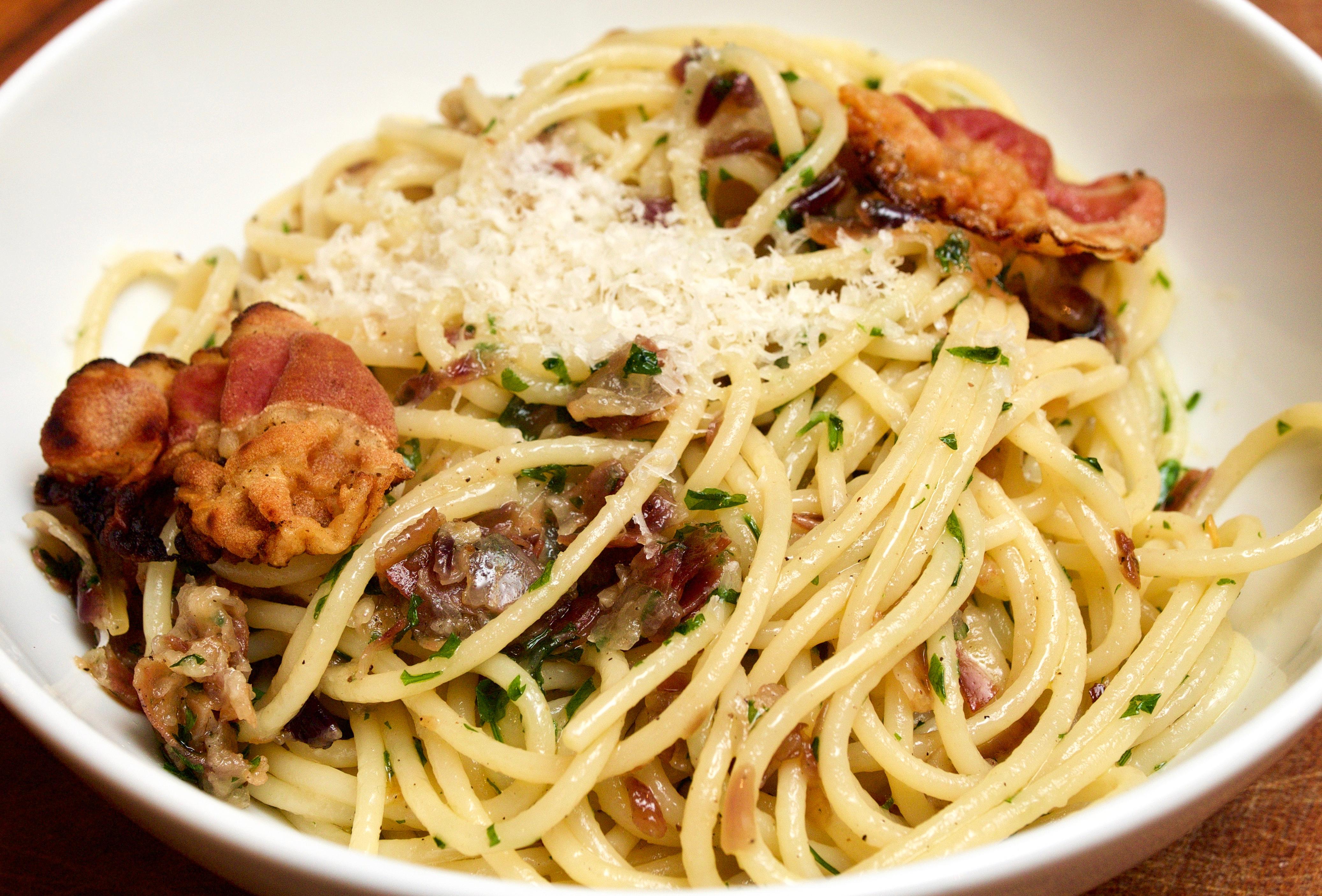 Spaghetti with parsley, pancetta & parmigiano