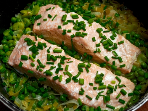 Salmon with greens & creme fraiche
