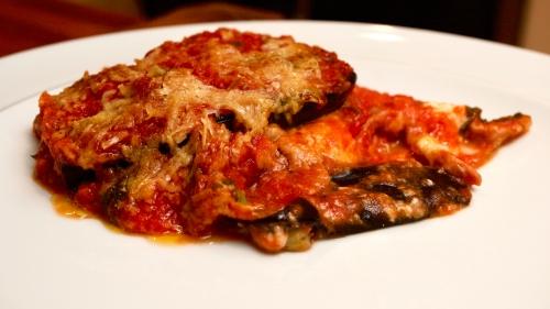 Parmigiana di Melanzane e Pepperoni con Prosciutto di Parma