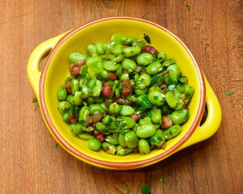 Broadbeans with pancetta