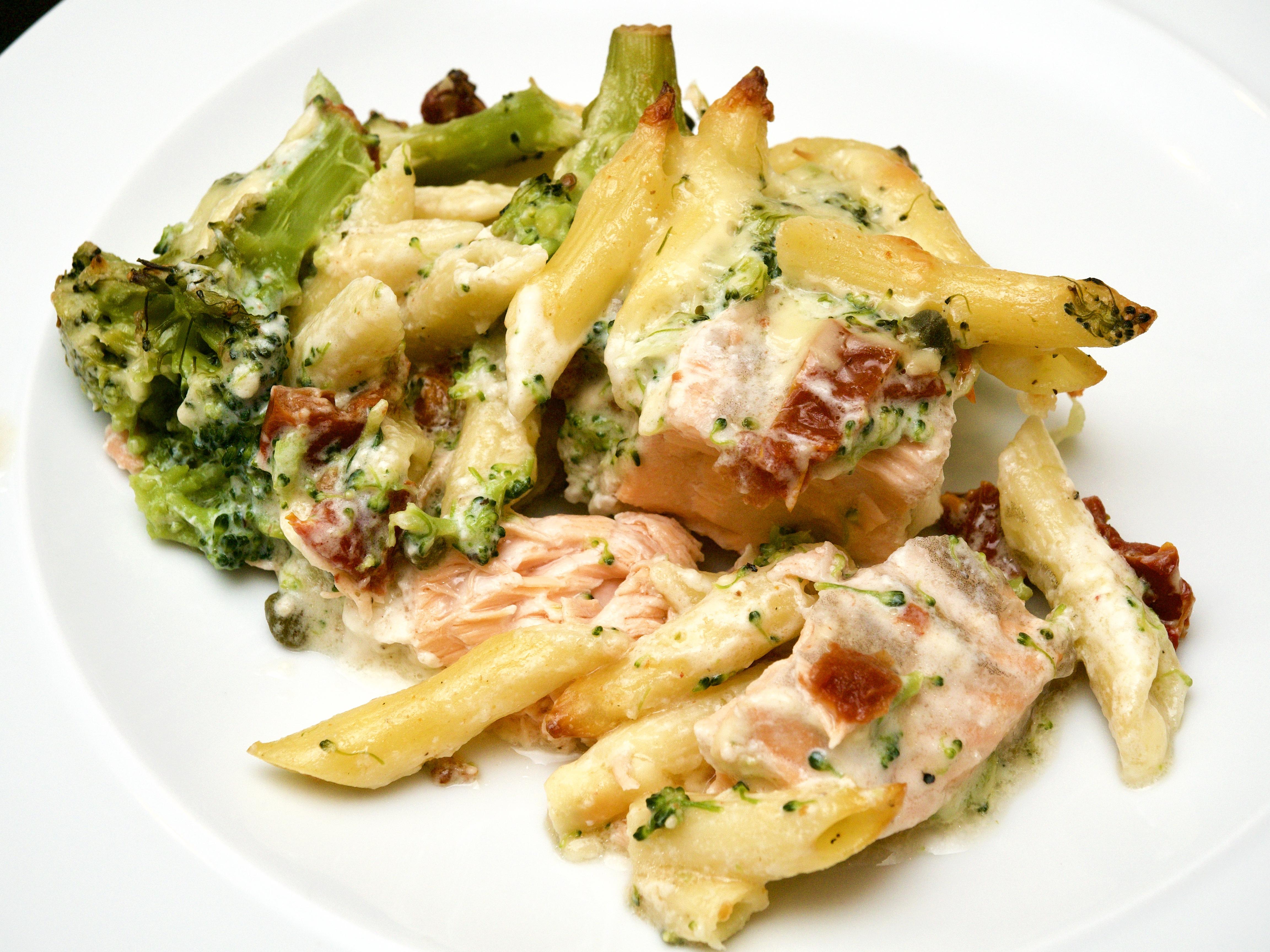 Broccoli & salcmon bake