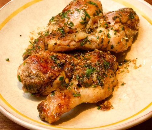Roast drumsticks with parsley and garlic