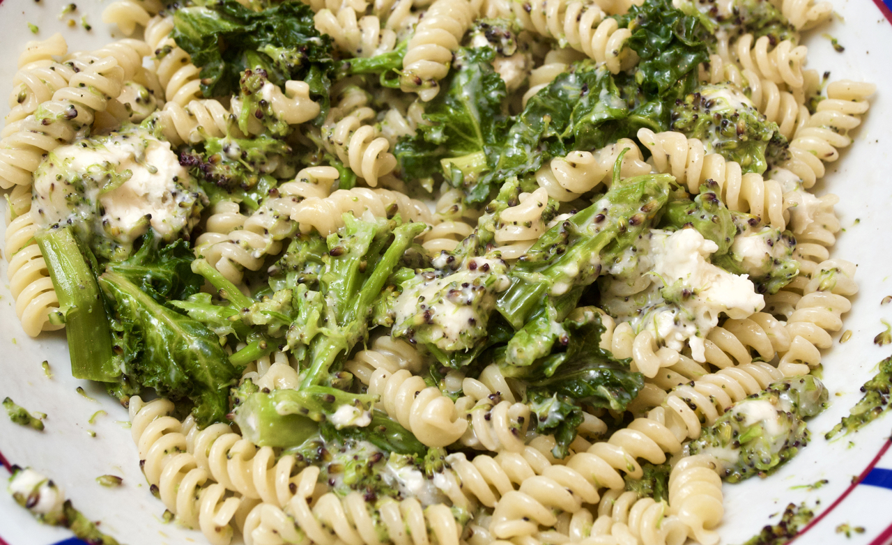 Pasta with broccoli & gorgonzola