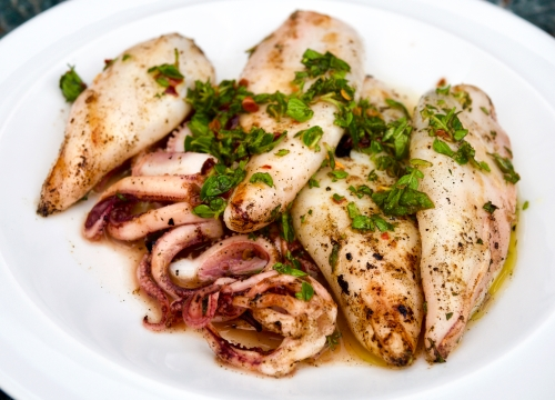 Squid stuffed with oregano