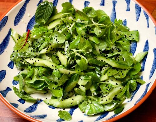 Cucumber & lamb's lettuce salad