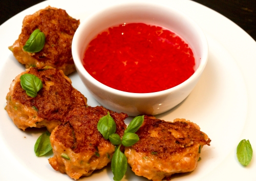 Spicy Thai Fishcakes with Dipping Sauce