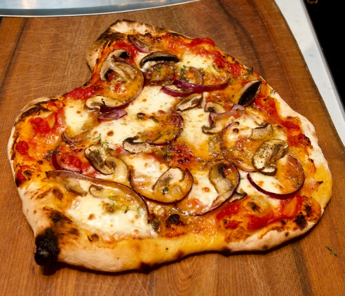 Red Onion, Mushroom & Blue Cheese Pizza