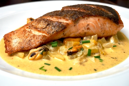 Pan-fried Salmon with Curried Mussels