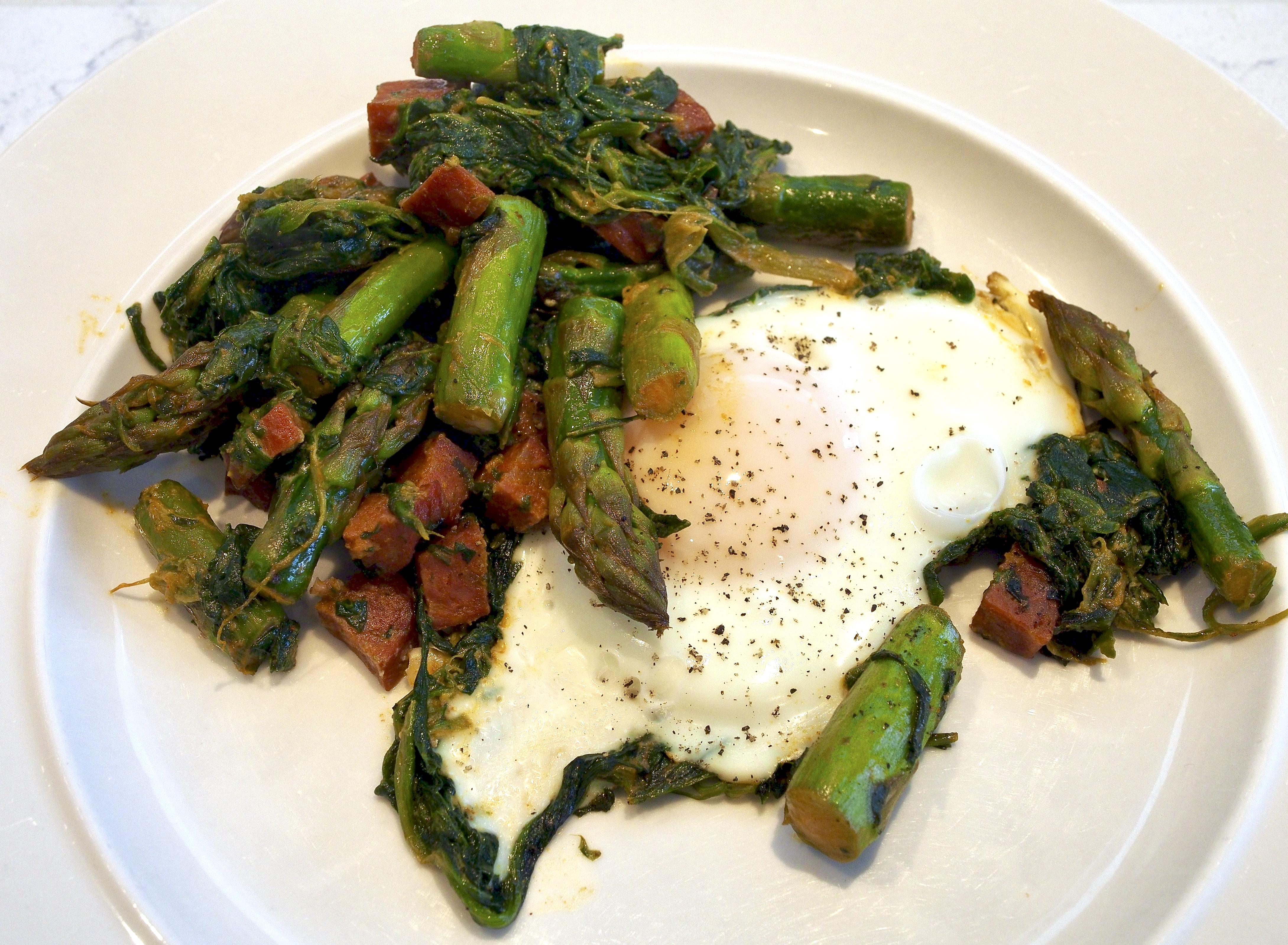 Spicy Asparagus & Chorizo Baked Egg