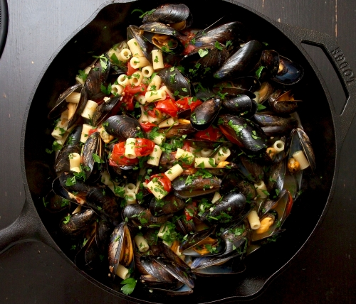 Mussels with ditalini & tomatoes
