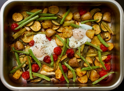 Smoked Paprika-Baked Courgettes, Tomatoes & Green Beans with Eggs